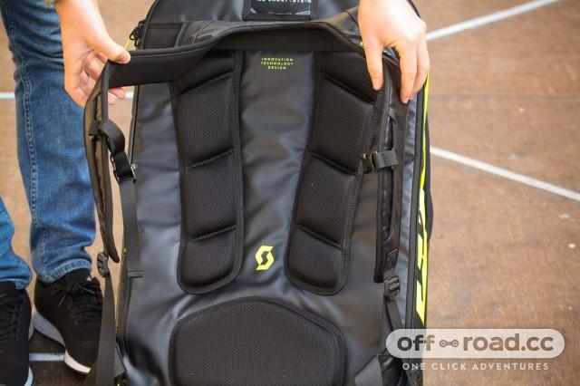 Scott Race Day 60 backpack - padding.jpg