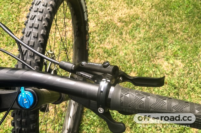 Shimano Deore MT520 4 piston brakes-3.jpg