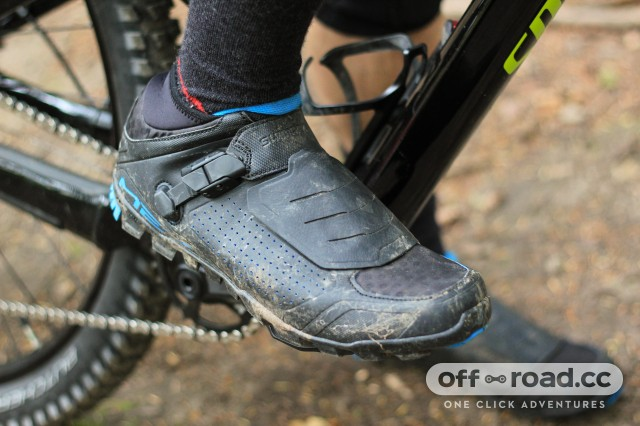 Shimano ME7 shoes-2.jpg