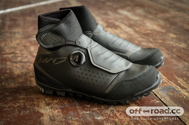 Shimano MW7 winter shoes-1.jpg
