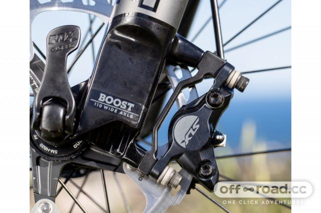 Shimano SLX M7100 two pot brake caliper.jpg