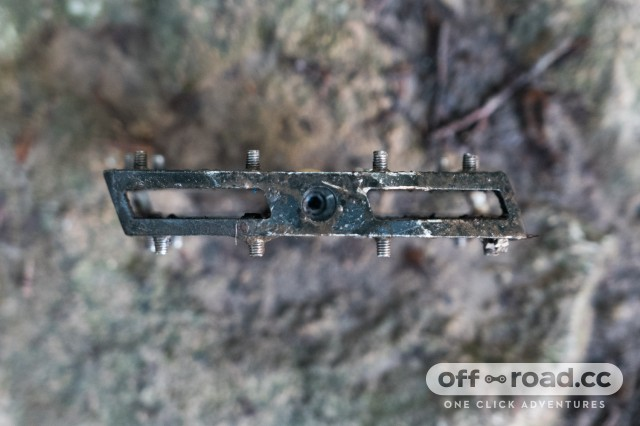 Shimano-M828-Saint-flat-pedals-review-100.jpg