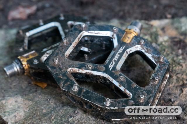 Shimano-M828-Saint-flat-pedals-review-101.jpg