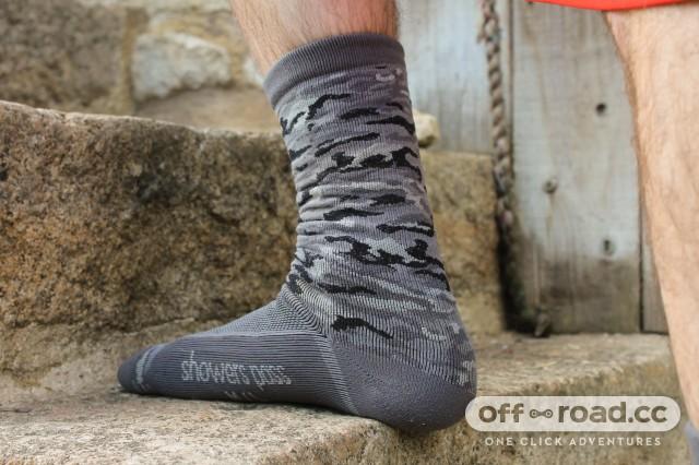 Showers Pass Crosspoint Knit Waterproof Socks-2.jpg