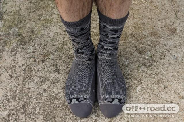 Showers Pass Crosspoint Knit Waterproof Socks-3.jpg