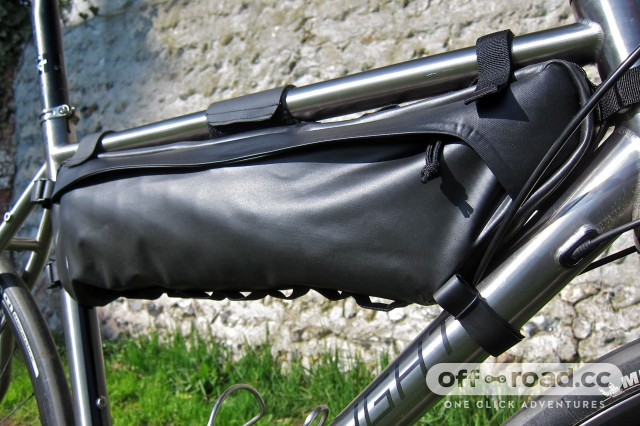 Specialized Burra Burra Framepack 8 - 3:4 Side.jpg