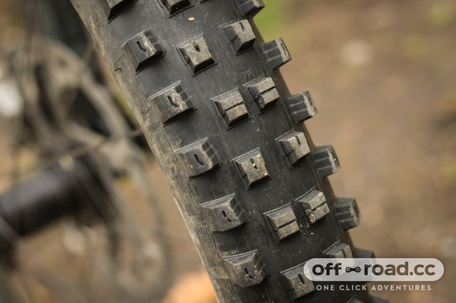Specialized Hillbilly 2.6 Gripton GRID Tyre-3.jpg
