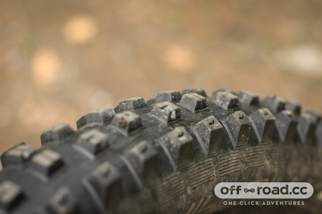 Specialized Hillbilly 2.6 Gripton GRID Tyre-5.jpg
