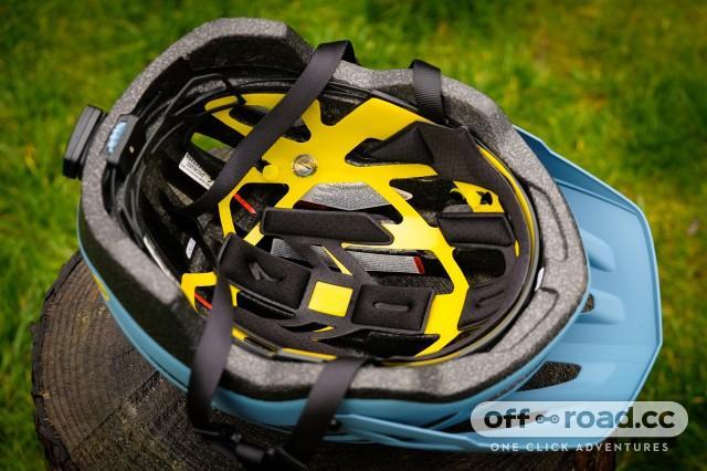 Specialized MIPS ANGi Helmets Ambush Comp-12.jpg