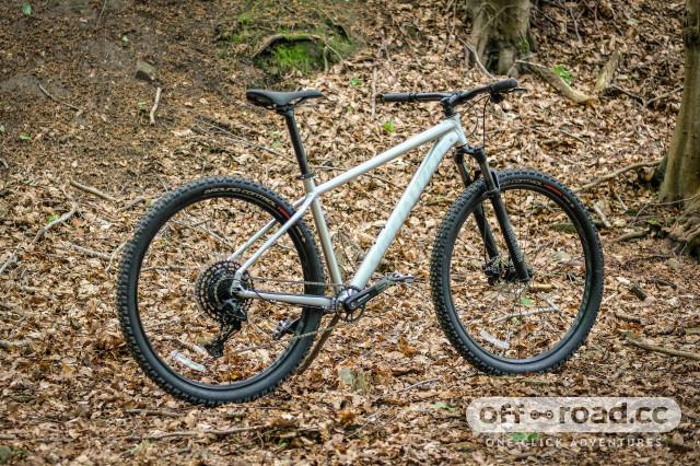 Specialized Rockhopper Expert 2020 Whole bike 3.jpg