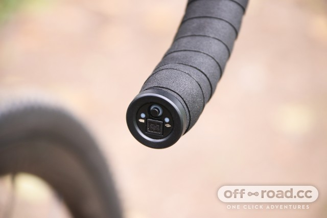 Specialized S-Works Diverge - Di2 controls.jpg