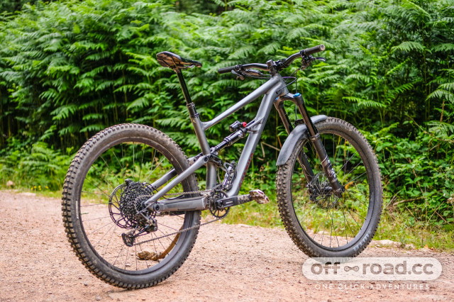 Specialized Status front centre-22.jpg