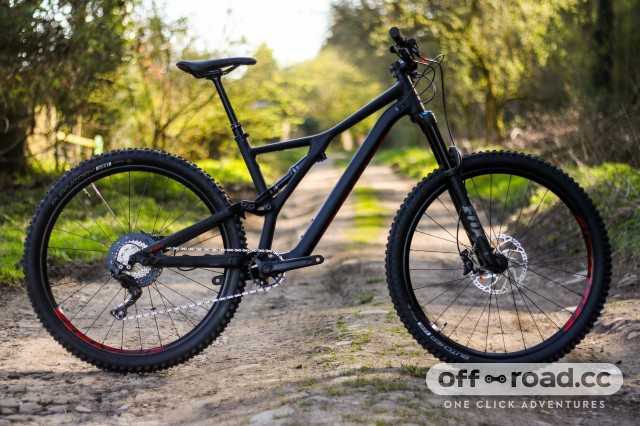 c88028a6890 First Look: 2019 Specialized Stumpjumper Comp Alloy 29 | off-road.cc