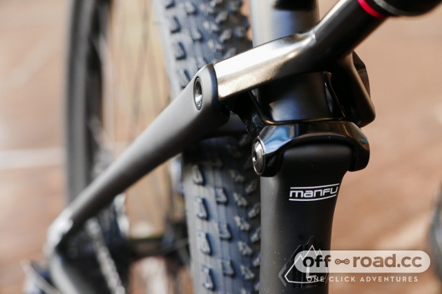 Specialized-Epic-Expert-Carbon-Evo-first-look-review-101.jpg