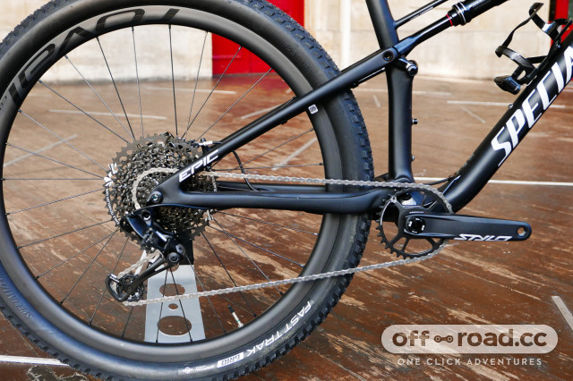 Specialized-Epic-Expert-Carbon-Evo-first-look-review-102.jpg