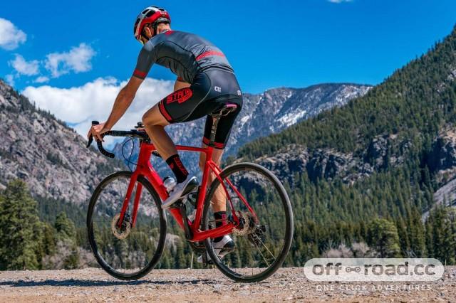 Stans-Grail-CB7_tubeless-carbon-gravel-bike-road-bike-CX-cyclocross-rim-wheels_riding-gravel.jpg
