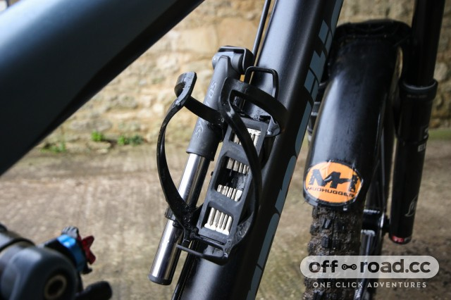 Syncros Matchbox Coupe HP2.0 Integrated Bottle Cage-4.jpg