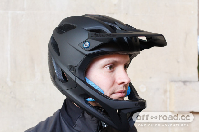 Troy-Lee-Designs-Stage-fullface-helmet-review-100.jpg