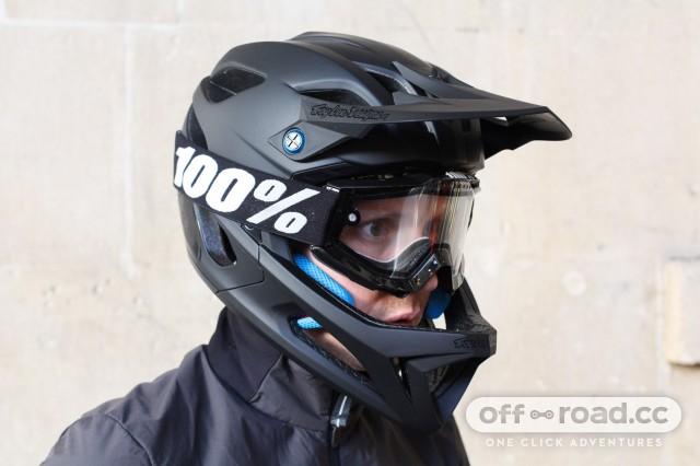 Troy-Lee-Designs-Stage-fullface-helmet-review-106.jpg