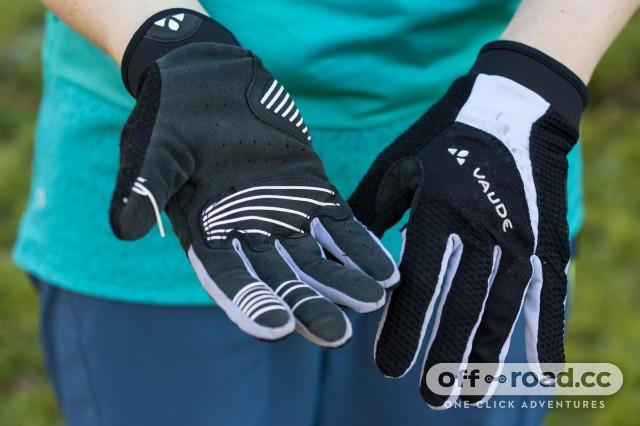 Vaude Women's Dyce Gloves-1.jpg