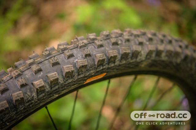 Vitus Mythique 29 VRS Front Tyre-15.jpg
