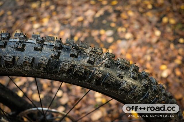 Vitus Sentier 27 VRS hardtail Detail Front tyre-15.jpg