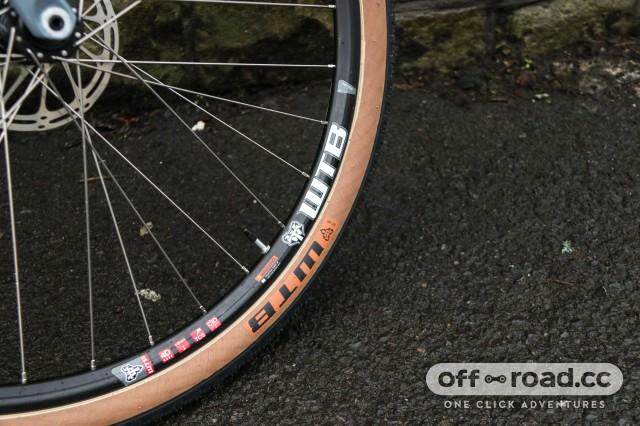 Vitus Substance V2 Apex Wheel Tyre-3.jpg