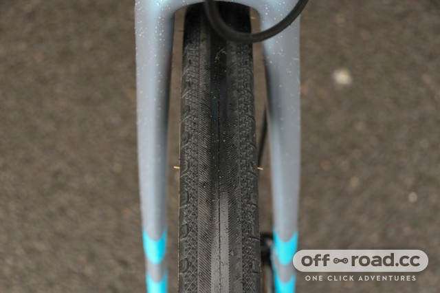 Vitus Substance V2 Apex tyre-7.jpg