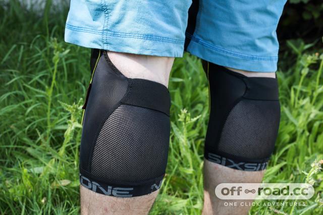 661 recon knee rear