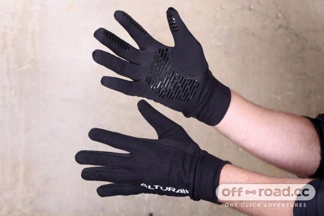 altura-micro-fleece-gloves.jpg