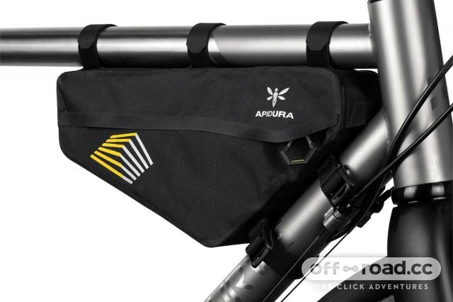 apidura-racing-frame-pack-2.4l-on-bike-2.jpg