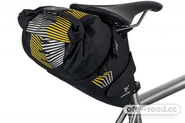 apidura-racing-saddle-pack-5l-on-bike-3.jpg