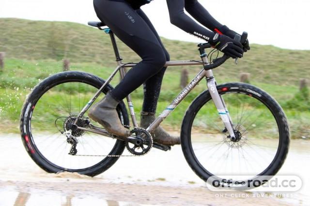 bombtrack-hook-ext-riding-1.jpg