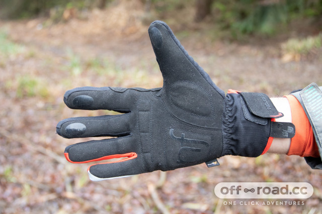 cube-gloves-x-shell-long-finger-x-nf-review-3.jpg
