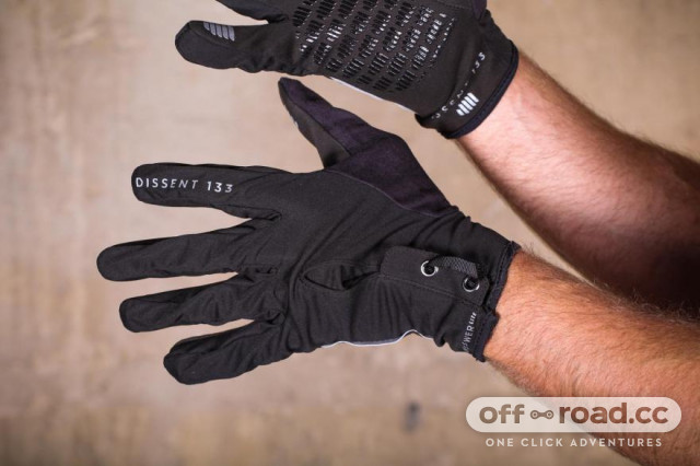 dissent-133-ultimate-cycling-glove-pack-layer-3-back.jpg