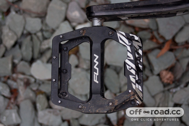 funn-funndamental-flat-pedals-1-2.jpg