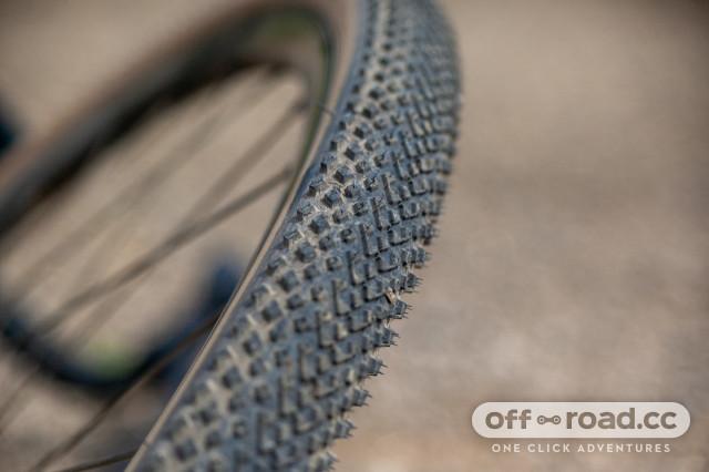 halo-gravel-tyre-range-GXC-13 full tread.jpg