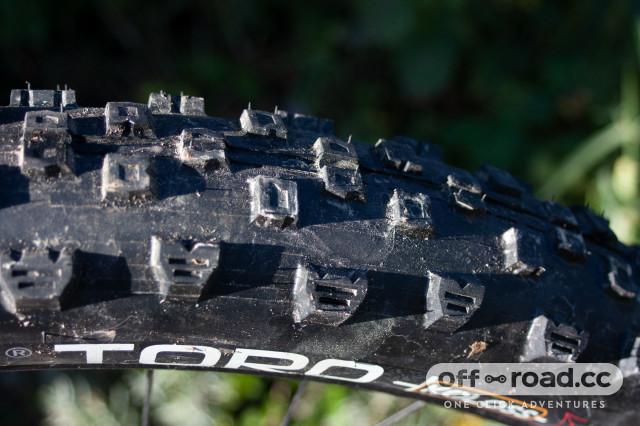 hutchinson-toro-koloss-tyre-review.jpg