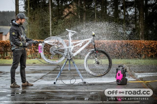 muc-off-pressure-washer-100.jpg