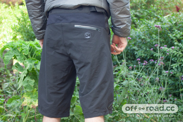 showers-pass-imba-dwr-shorts-review-02.jpg