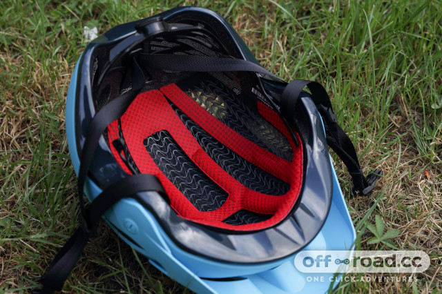 5 cool things Bontrager wavecel helmet