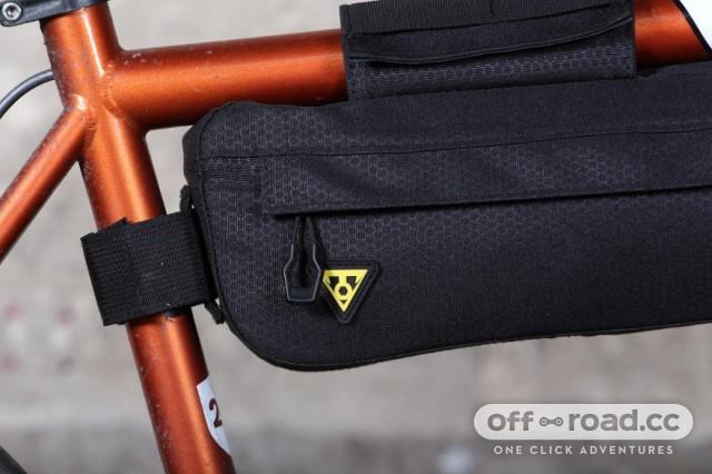 topeak-midloader-straps.jpg
