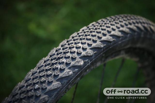 vee rail tyre-1.jpg
