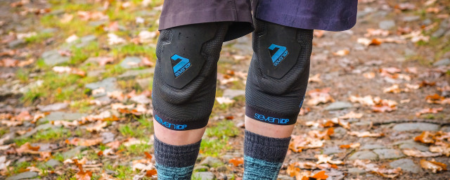 2020 7iDP Project Knee pads-1.jpg