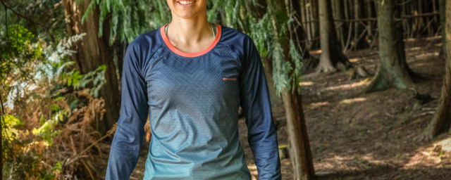 2020 Madison Flux Enduro womens jersey-2.jpg
