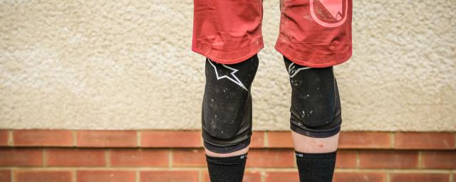 Alpinestars Paragon plus knee pads-12.jpg