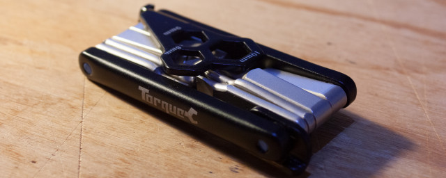 Oxford-Torque-Slimline-12-Multitool-review-4.jpg