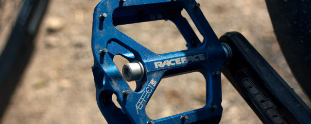 RaceFace Aeffect Flat Pedal 2020 Review 1.jpg