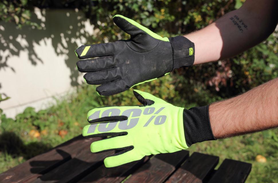 100% hydromatic waterproof glove hero.jpg