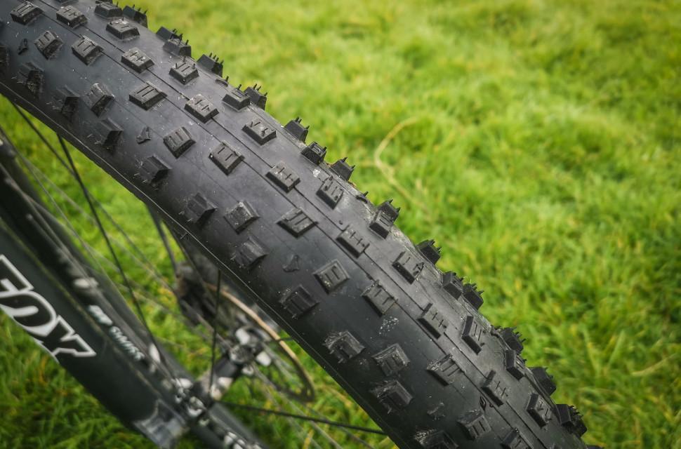 2020 Wolfpack Cross tyre -3.jpg